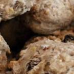 Er der noget bedre end en lun bolle til morgenmaden? Med disse lækre mysli-boller starter du dagen med en god sund morgenmad, der holder dig mæt længe og giver dig energi til din arbejdsdag. Du kan variere bollerne med forskellige mysli, men husk altid at vælge en type uden sukker.